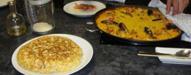 Tortilla y paella clase de cocina
